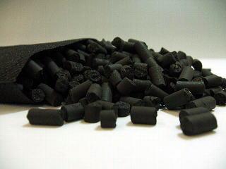 「炭ペットシーツ」の開発